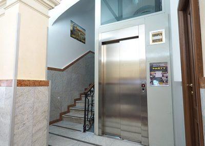 palace-elevator